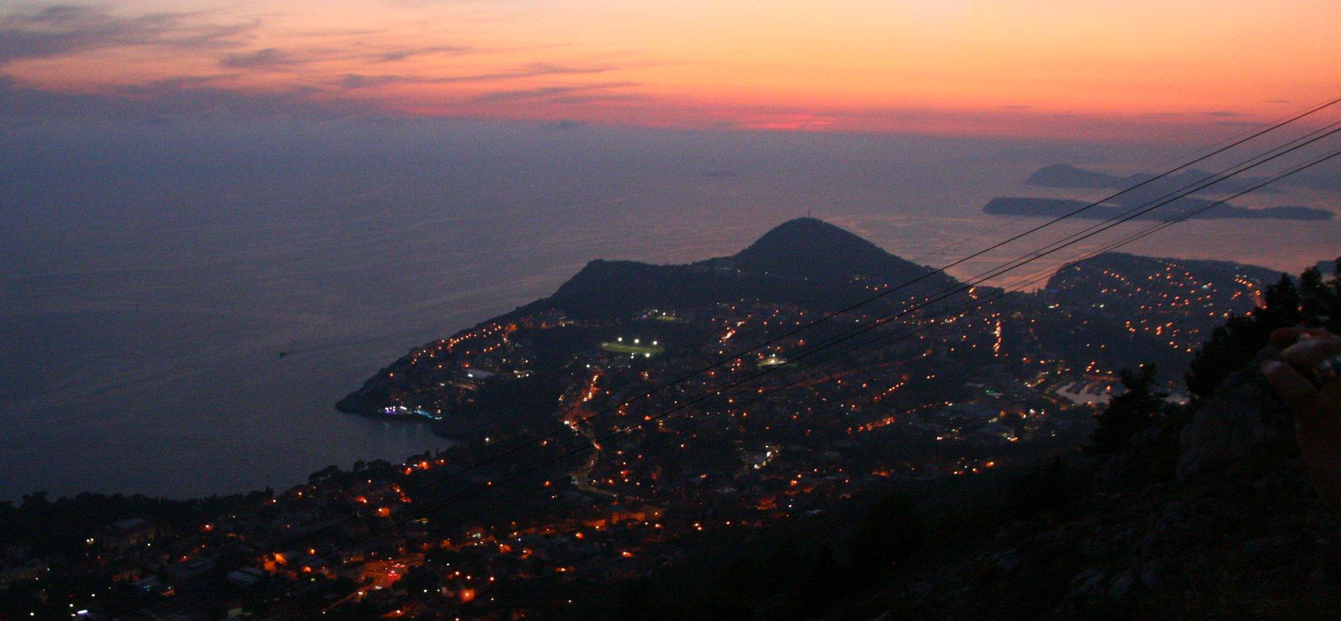 Výhľad na Dubrovník z vrchu Mount Srđ, najlacnejšia dovolenka