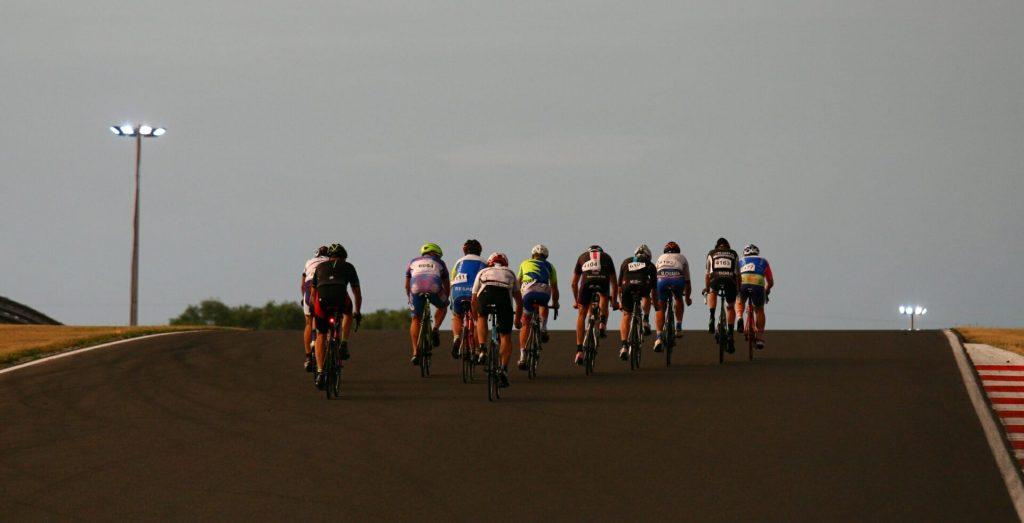 Cestná cyklistika - 24 hodín Orechová Potôň, cestné preteky, bike trip