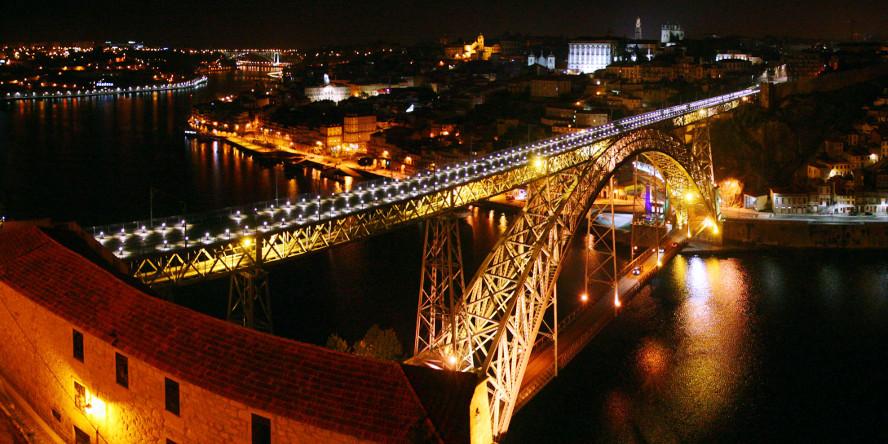 Porto v noci - Most kráľa Luisa I.
