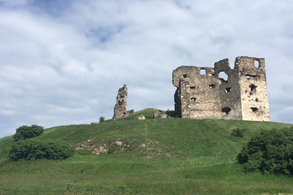 Kamenec - zrúcanina hradu