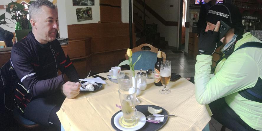 čaj, pivo a káva v reštaurácii na Pezinskej Babe