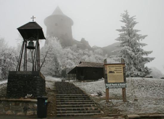 Šomoška, Somosko, hrad v zime
