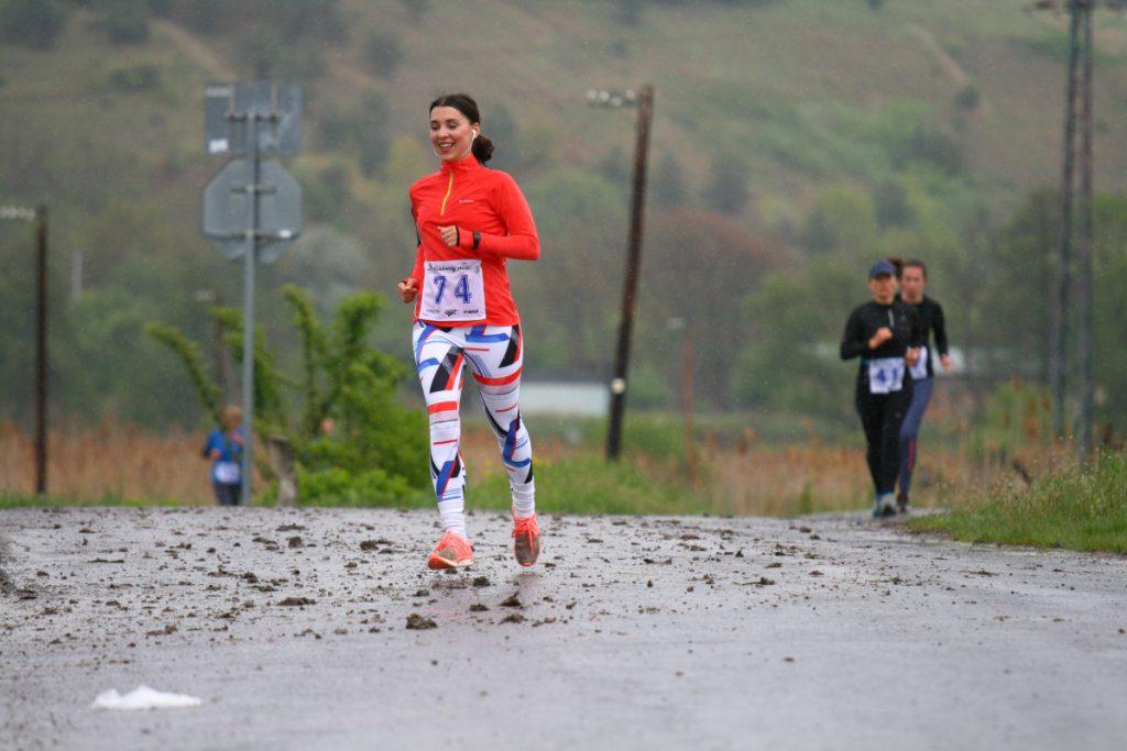 Fiľakovský cross 2019 - mladá bežkyňa
