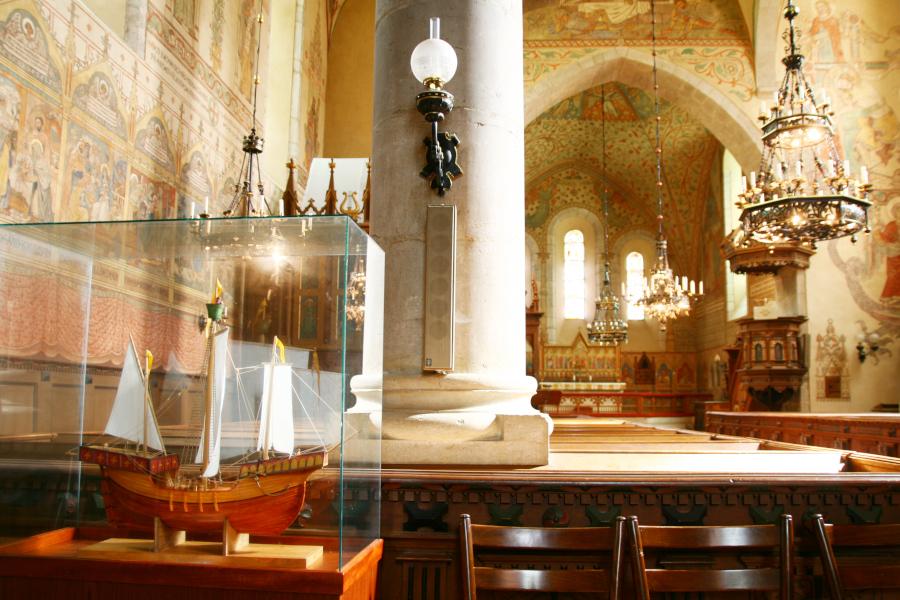 interiér kostola v Dalheme