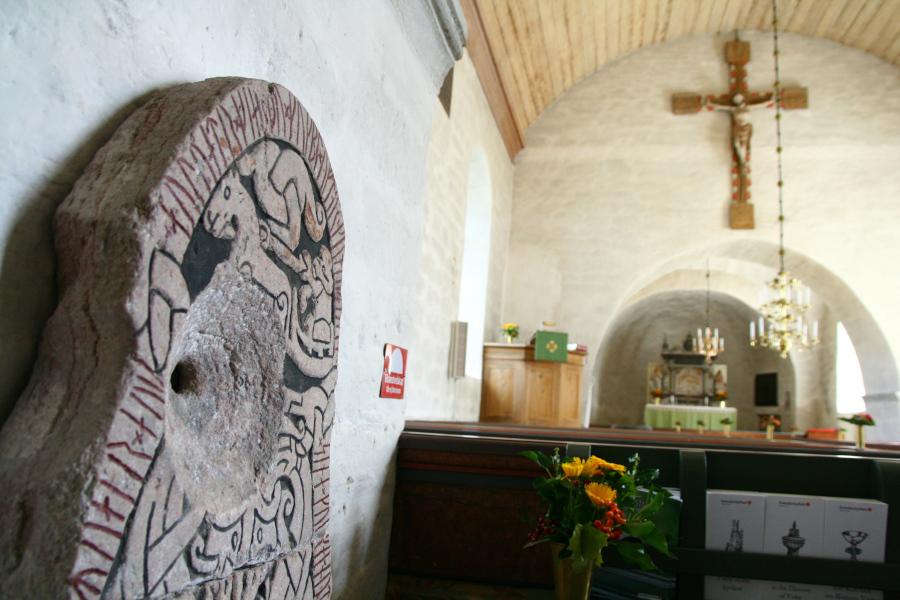 interiér kostola v Sproge na Gotlande