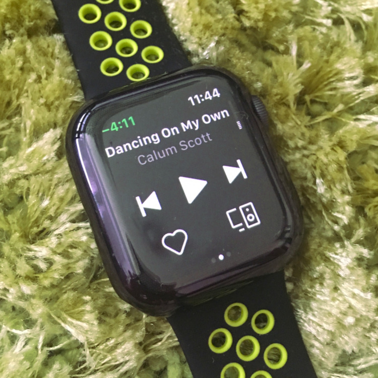 Apple Watch 4 - Spotify app