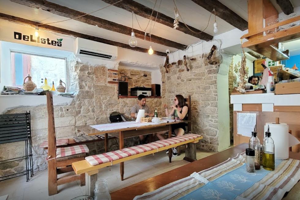 delistes local restaurant split